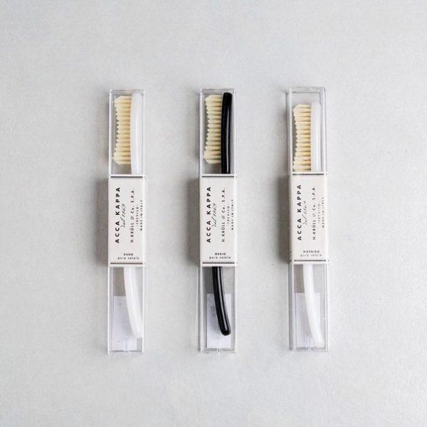 Acca Kappa Зубная щетка (пластик) с натуральной щетиной, средней жесткости